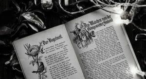 Geöffnetes Märchenbuch